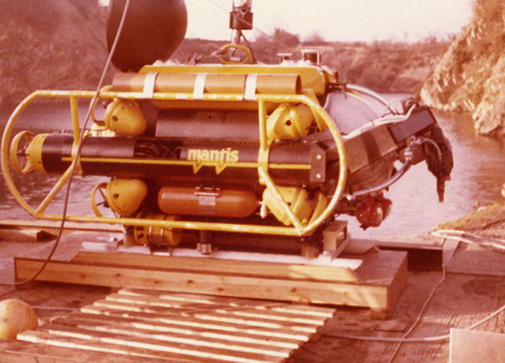 During the 1960s and 1970s, the flooded quarry was used to train commercial divers en route for the North Sea. The facility was also used for developing and testing underwater equipment destined for use in the oil fields.